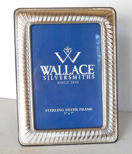 WALLACE STERLING SILVER 5 X 7 PICTURE FRAME.    FREE SHIPPING