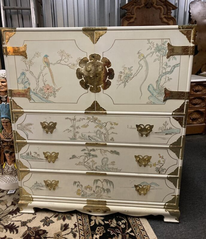 Vintage 7 Piece 80s Asian Bedroom Set White Lacquer Handpainted Ornate Art Brass