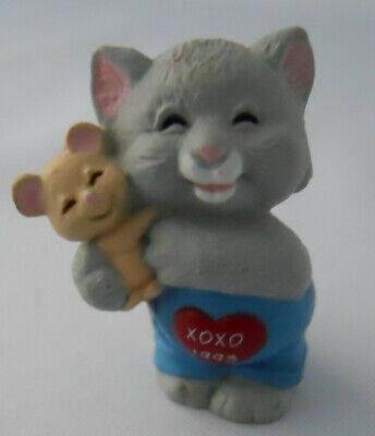 Hallmark Merry Miniature Cat Hugging Mouse Vintage Valentine HUG&KISSES #3 Serie for sale  Washington