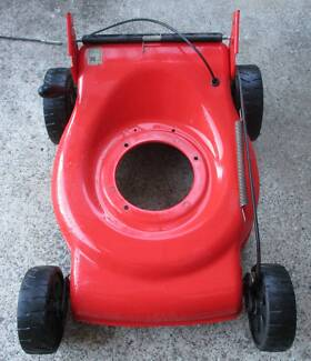 TANDEM,4 STR SELF PROPELLED LAWN MOWER WRECKING PRICES FROM