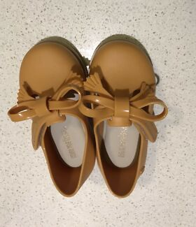 Mini Melissa girls/ size 19 European - caramel colour