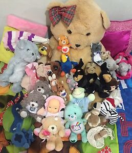 36 MIXED TOYS AND 4 TWITTING BIRDS Broadmeadows Hume Area Preview