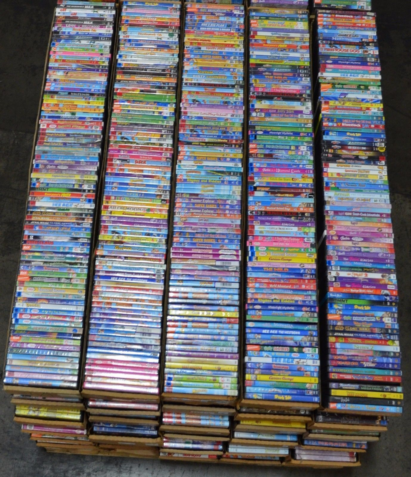 Wholesale Lot 30 Used Assorted Bulk DVD Mostly Kid Family Children No Duplicate