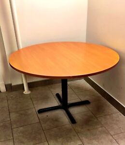 Very solid, modern, excellent quality round table- *Like new*