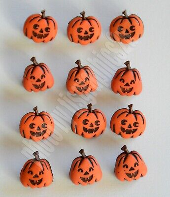 Jack-O-Lantern ~ Pumpkin Shape Halloween Buttons / Jesse James ~ Dress It Up (Halloween Jack O Lanterns Crafts)