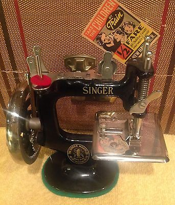 Antique Singer Childs Toy  Sewing Machine No. 20 or 21 with Travel Case
