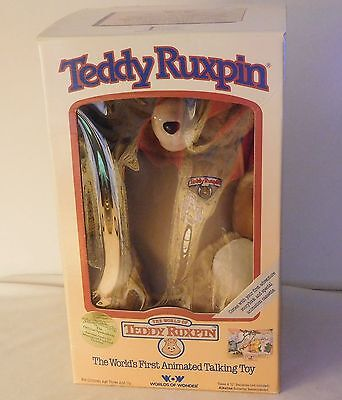 Vintage 1985 Teddy Ruxpin Animated Talking Bear with Books Tapes Outfit MIB