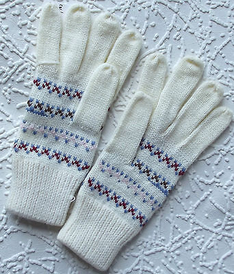 Vintage gloves 1970s UNUSED ladies girls One size knitted gloves WHITE patterned