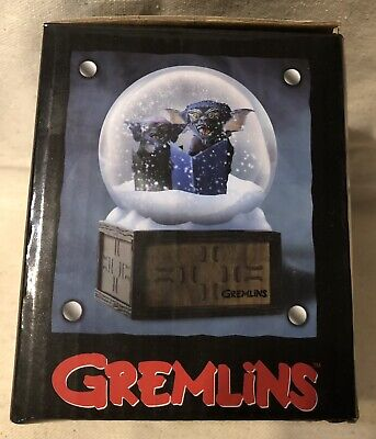 Gremlins Holiday Snowglobe ~ NEW IN BOX! ~ Need Block Exclusive ~LOOK!~