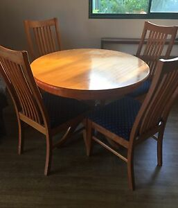 Dining Table with 4 High Back Chairs Armadale Armadale Area Preview