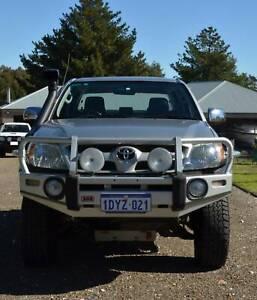 2006 Toyota Hilux SR5 Manual Ute