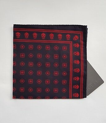 New Alexander McQueen Classic Medallion Pocket Square Handkerchief Black/Red