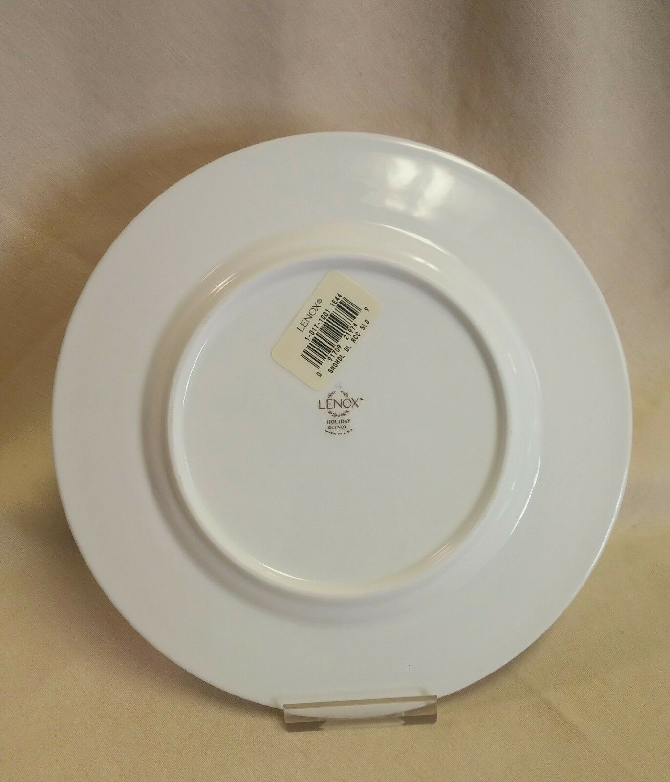 LENOX SNOW HOLLY GOLD Accent Plate Set Of 4 - $99.95