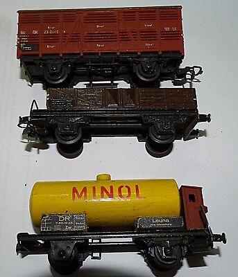 Güter Wagons 3 Stück im SET der 70iger Jahre Spur HO in Grün mit 2 Achsen L=9cm