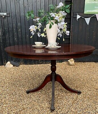 Mahogany & Veneer Reproduction Circular Dining Table