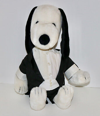 Characters In Peanuts (Snoopy in tuxedo Peanuts character plush dog vintage Determined Productions )