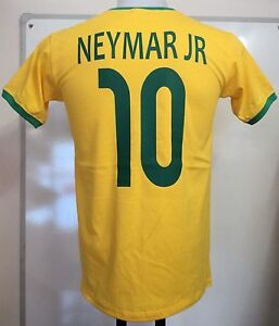 BRAZIL NEYMAR JR 10 RETRO FOOTBALL TEE SHIRT ADULTS SIZE MEDIUM BRAND NEW