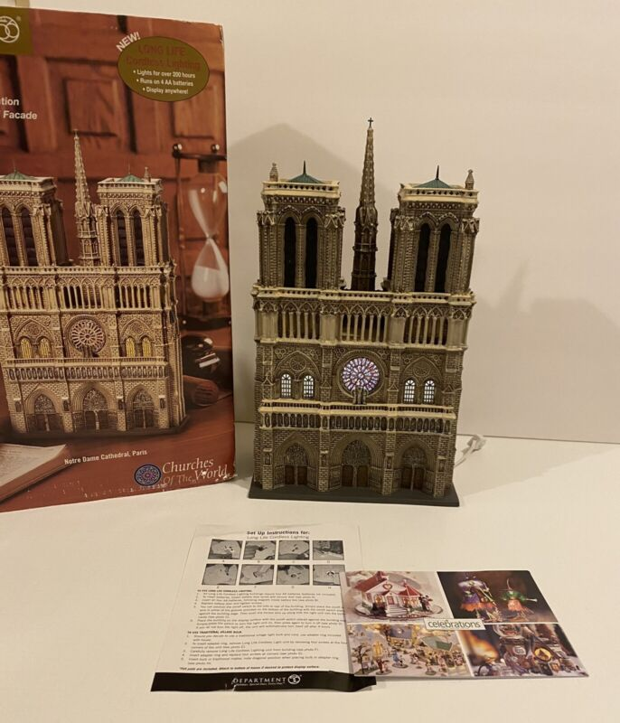DEPT 56 NOTRE DAME CATHEDRAL  57601   NICE WITH WORKING LIGHTS