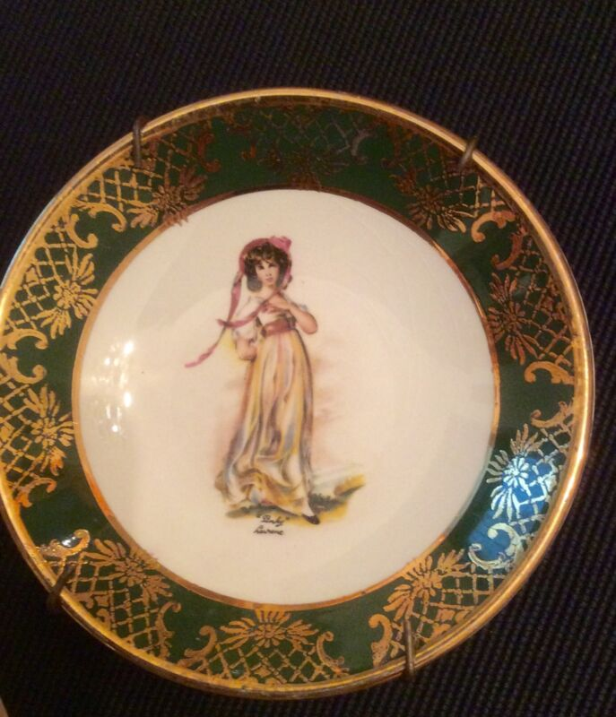"Weatherby-Royal Falcon Ware 4"" Ring Pin Or Trinket Dish With ""Pinky"" Gilded Trim"
