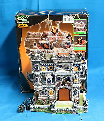 Lemax Spooky Town 2002 Castle on Spooky Hill NO ADAPTOR