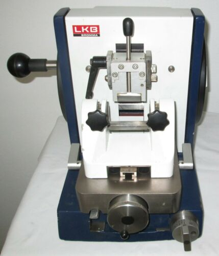 LKB Rotary One Retracting Microtome With Lateral Movement Rotating Knife Clamp