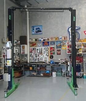 2 Post Clear Floor 4000kg Hoist ACE-4000CF