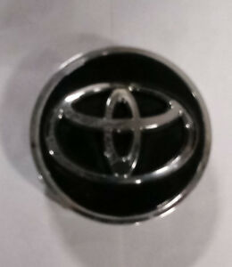Toyota Camry Avalon Corolla 2015 - 2017 Black OEM 18 Inch Wheel Center Cap 69628