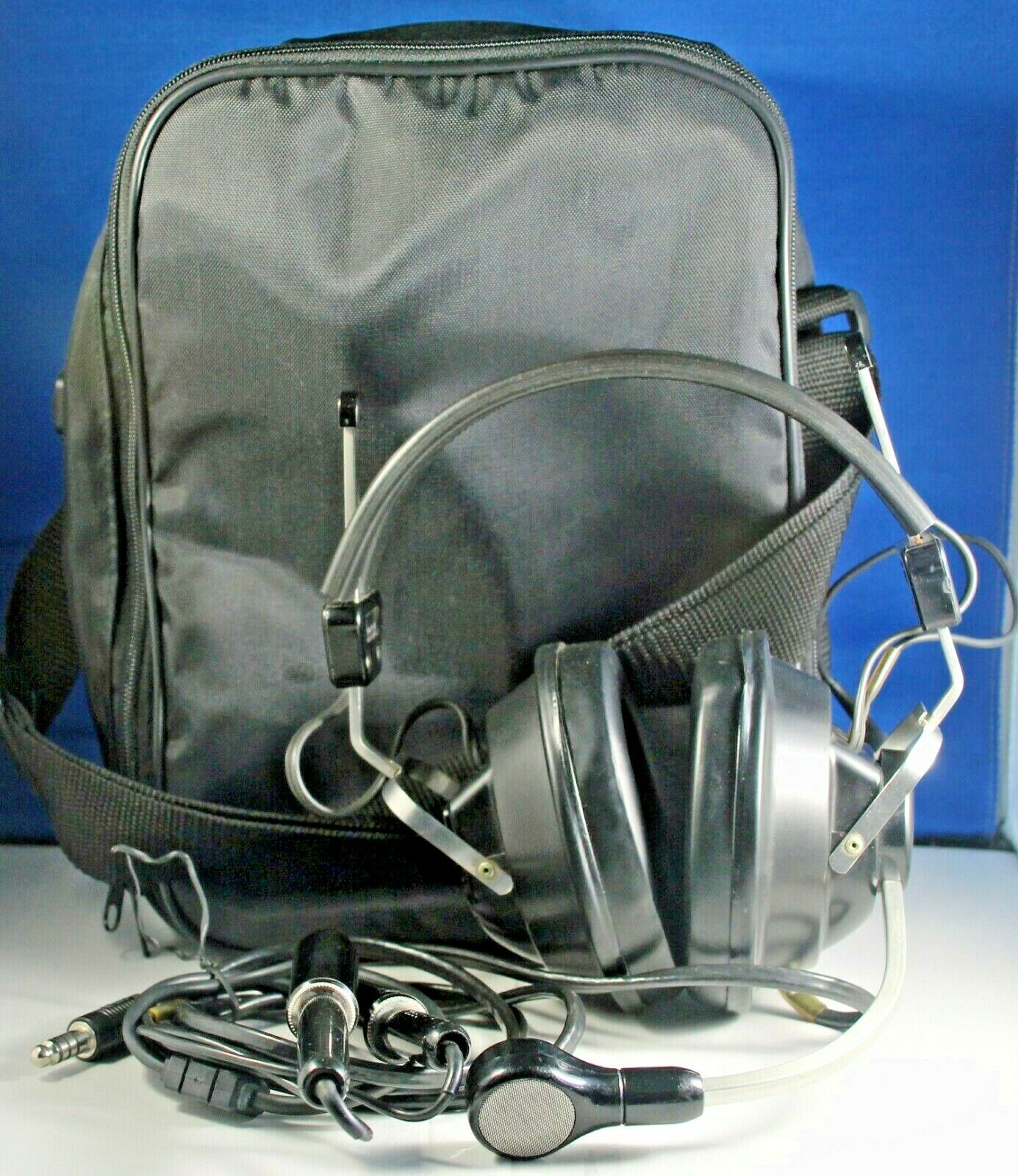 TELEX ARB-1400 General Aviation Pilot Headset with carrying case