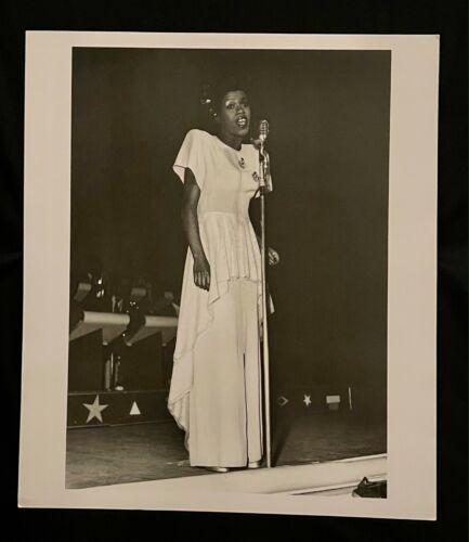 Sarah Vaughan Photo Bob Douglas Lithograph Portfolio Print 13x15 Jazz Ladies
