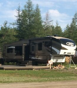 2016 Cougar 336 BHS Fifth Wheel with Bunkhouse