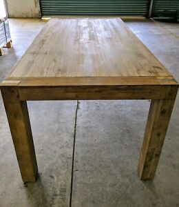 Timber rectangular dining table ~ excellent condition!
