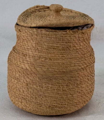 Vintage Pacific Northwest Native Made Tightly Woven Small Covered Basket