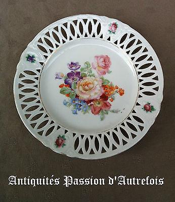 B20130503 - Superbe petite assiette ajourée en porcelaine fine - Très bon état