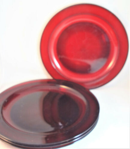 """Classique Ruby Arcoroc 9 1/2"""" Dinner Plates (Set of 4) France Red"""