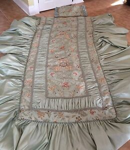 Gorgeous silk twin bed set