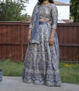 SELLING A BEAUTIFUL INDIAN DRESS