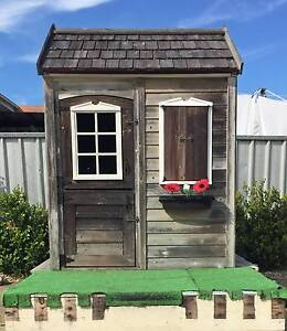 Childrens cubby house Swansea Lake Macquarie Area Preview
