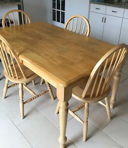 Solid wood Oak table with 6 chairs