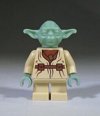 LEGO Star Wars Minifig: Yoda (2002-2005 version)