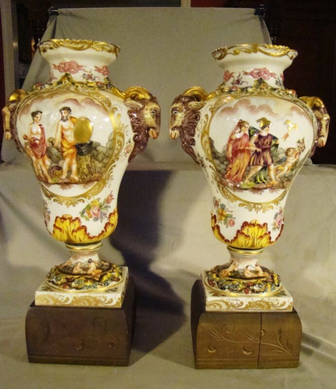 Pair Excellent Bloch Paris Porcelain Capodimonte Urn Vases Porcelaine de Paris