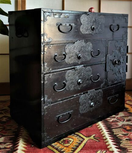 Antique Japanese Furniture Wood Cabinet Isho Dansu Shonai Tansu Black lacquered