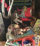 Dees vintage retro treasure trading