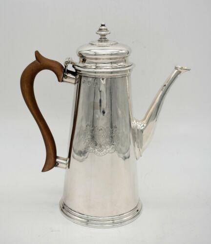 Fine early George II silver COFFEE POT. COAT OF ARMS. Gabriel Sleath 1728. 724gm