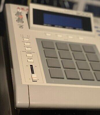 Samplers & Sequencers - Akai Mpc60 Mpc-60