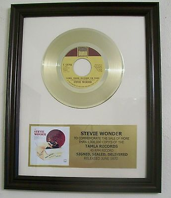 Stevie Wonder Signed Sealed Gold 45 Record + Mini Album Not a RIAA Award +Plaque