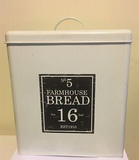 """KITCHEN TIN Farmhouse Style NEW """"Bread"""""""