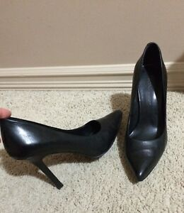 Bcbg leather heel shoes, 7.