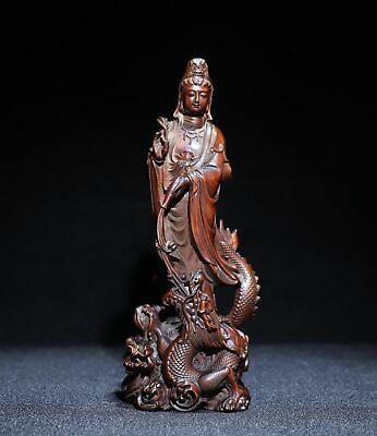 Natural boxwood received a carved Guanyin statue