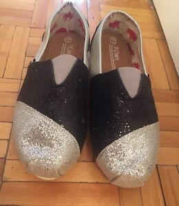 Flat new glitter shoes for sale