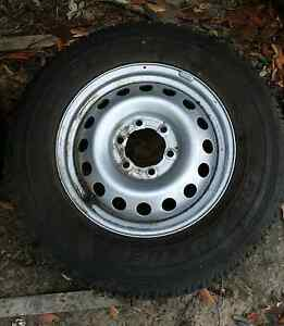 Hilux tyres & rims x 5 Clarence Town Dungog Area Preview